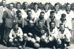1960-40zig-Jahre-OSK-Kampfmannschaft