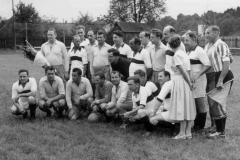 1958-Eröffnungsspiel-gegen-SV-Polizei-Linz-4-4-2