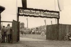 1958-Festzug-zum-Sportplatz-2