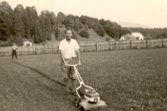 1958-im-Mai-wurde-der-Sportplatz-das-erste-Mal-gemäht