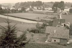 1958-Der-neue-Sportplatz-aus-der-Entfernung-2